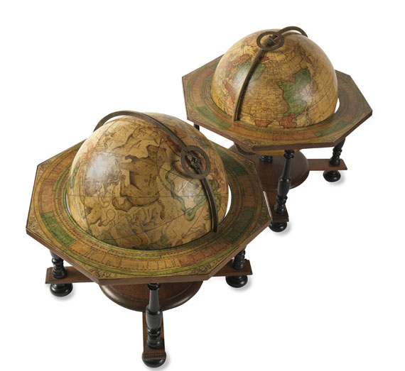 Globus - Pair of Celestial and Terrestrial Globes, 32 cm diameter. J. G. Doppelmayr 1728 (revised ed. by W. P. Jenig, 1789/90). - Weitere Abbildung