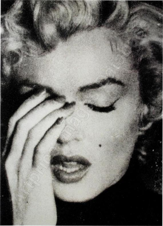 Marilyn Crying ,...